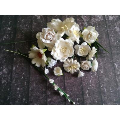 Fehér papír virágok - 20 db