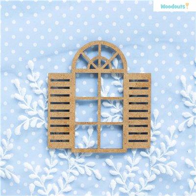 Ablak nyitott redőnyökkel - kicsi