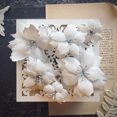 Foamiran virágok - mikulás vegyes méretben (fehér/ezüst)
