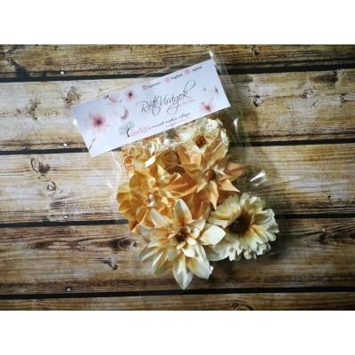 Kézzel készített papír virág -  7 db világosbarna