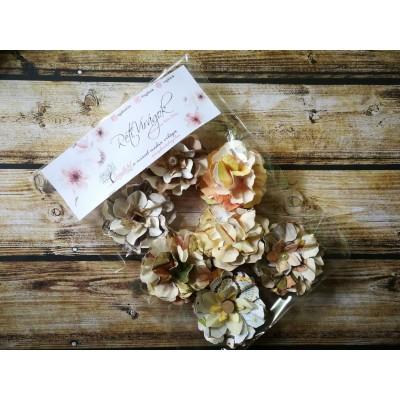 Kézzel készített papír virág -  7 db barna