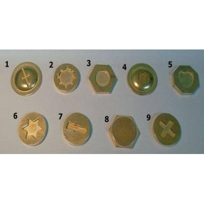 2 cm átmérőjű csavarfejek (9 db)
