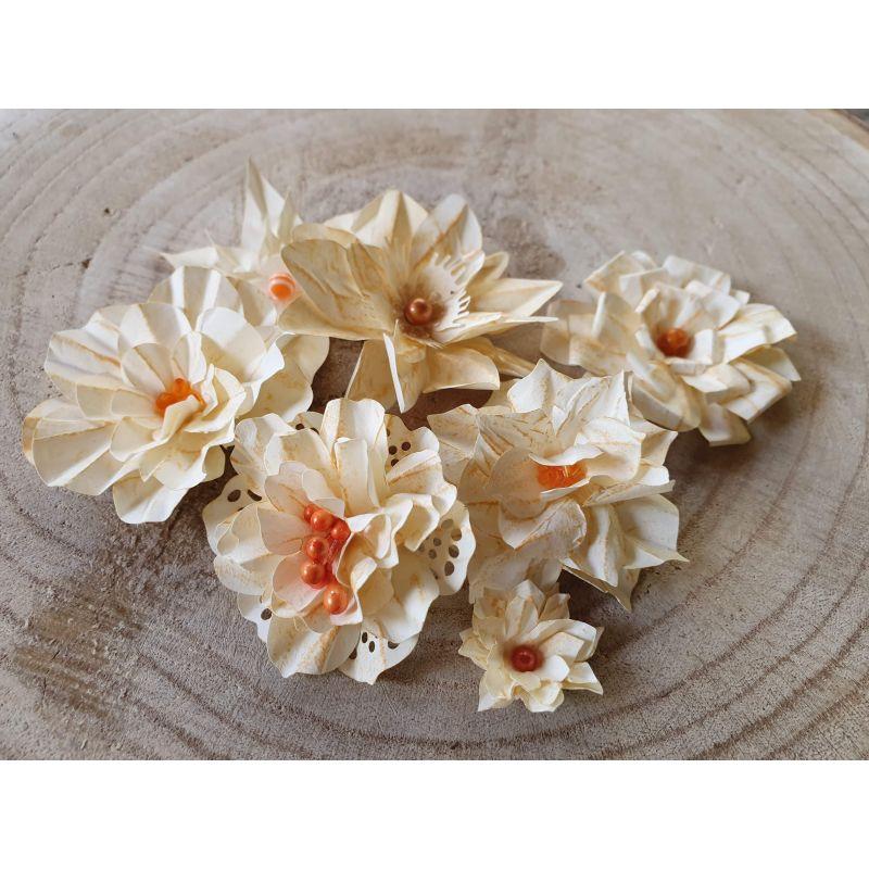 Kézzel készített papír virág -  7 db szürkésfehér