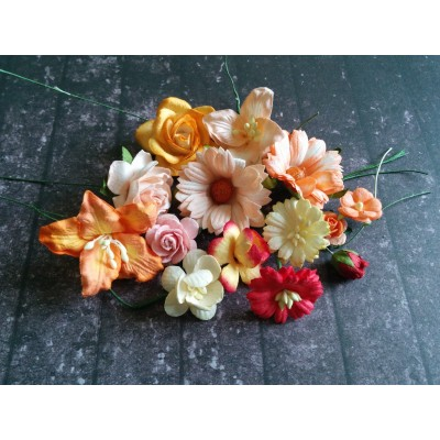 Sárga, narancs és piros papír virágok - 20 db
